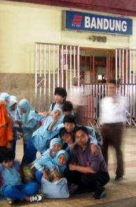 Rame-rame Ke Stasiun Bandung